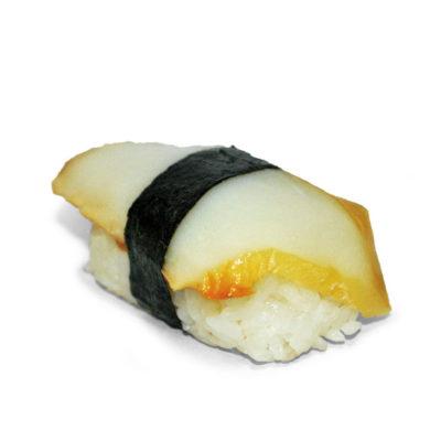 Суши с копченым кальмаром
